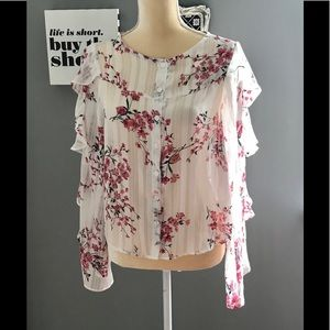 NWT Lulu's dressy floral blouse